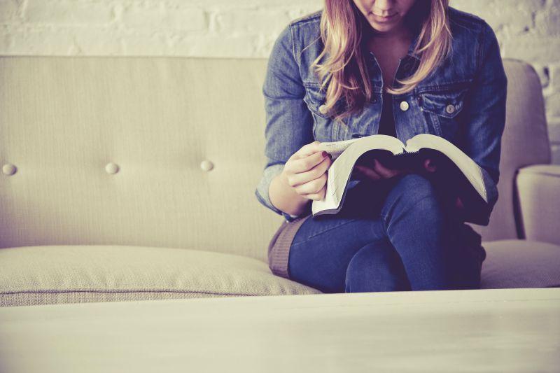 Woman Reading Bible, Way #21, 800